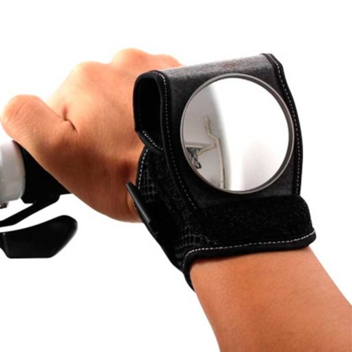 Зеркало заднего вида на запястье руки